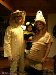 Halloween Costumes Pregnant Couples Beehive Bee Beekeper Family Halloween Costume
