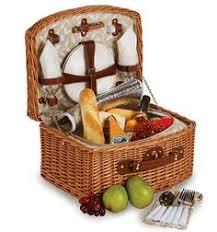 picnic gift basket vino picnic basket for two