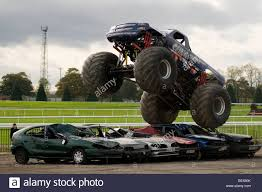 monster truck bigfoot monster truck big wheels trucks suv suv u0027s offroader 4 by four 4x4