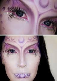 halloween schminke ideen frau lila ausserirdische glitzersteine