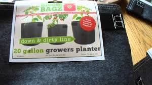 earl b friendly unboxing of bloem bagz recycled plastic planter