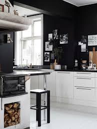weiße küche wandfarbe wandfarbe schwarz 59 beispiele für gelungene innendesigns fresh