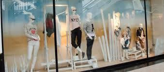 11 diy secrets to great shop window displays toughnickel