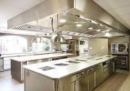 restaurant cuisine ouverte tendance le cooking ou cuisines ouvertes quelles solutions