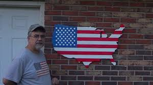 How To Display American Flag On Wall How To Make A Usa Shaped Flag From Pallets Youtube