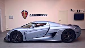 koenigsegg highway massive highway burnout with huge smoke screen
