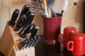 7 surprisingly germy kitchen items you never think to clean knife block
