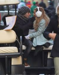 grande and nathan sykes cosy up during macy s parade