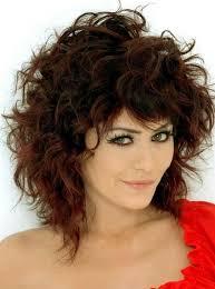 hispanic woman med hair styles shoulder length medium curly haircuts