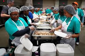 how to help feed the hungry at the holidays and year