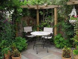 Plants For Pergola by Beautiful Corner Pergola Ideas In The Courtyard Garden Decorated