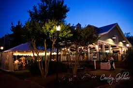 wedding venues in athens ga wedding in the courtyard at hotel indigo athens tie the knot