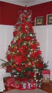 Decorated Christmas Tree Pictures With Ribbon by Ribbon In Christmas Trees Learntoride Co