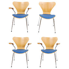 Airborne Butterfly Chair by Set Of Four Butterfly Chairs 3107 By Arne Jacobsen For Fritz