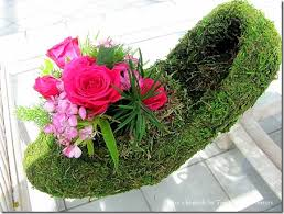 how to make flower arrangements how to make a moss shoe flower arrangement crafts a la mode