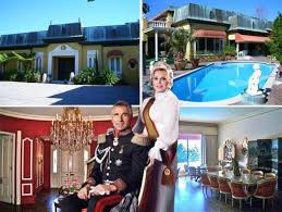 zsa zsa gabor s bel air mansion youtube zsa zsa gabor is selling her bel air residence for 14 9 million