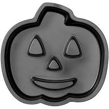 amazon com wilton 2105 0679 halloween jack o lantern fluted cake