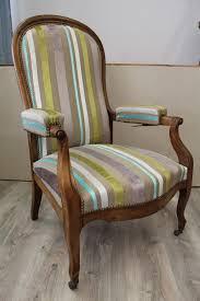 comment retapisser un canapé tissu trasimeno pour fauteuil voltaire tissu fauteuil