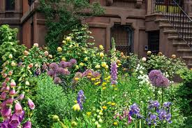 Sidewalk Garden Ideas Required Reading Sidewalk Gardens Of New York Gardenista