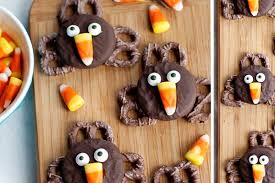 10 thanksgiving themed treats for children and adults alike