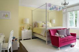 Bedrooms With Yellow Walls Bedroom Small Four Poster Bed With Yellow Quilt And Small Pink