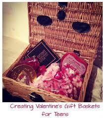 How To Make A Gift Basket How To Create A Cute Valentine U0027s Gift Basket For Teen Girls Hubpages