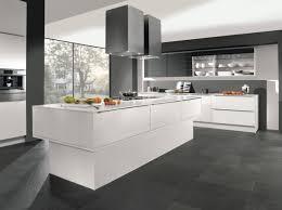 cuisine blanche carrelage gris cuisine blanche carrelage beau cuisine blanche et grise idées