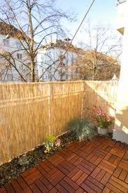 bambus fã r den balkon balkon mit sichtschutz aus holz und bambus gestalten komode