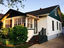 adorable beach bungalow 1 block to town 3 vrbo