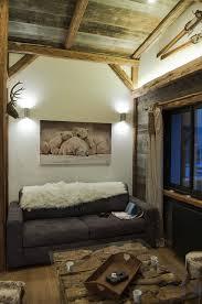 decoration de montagne appartement basic métamorphosé en chalet déco montagne travaux