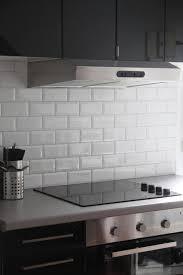 faience cuisine et blanc davaus cuisine blanche avec carrelage gris avec des idées