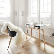 Schreibtisch Aus Holz Mia Zieht In Eine Wg Mömax Blog