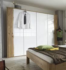 Schlafzimmer Aus Holz Kaufen Schlafzimmer Aus Massivholz Mit Baumkante Massivholzschrank In