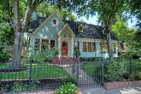 Pictures Of Cottage Style Homes 10 Cottage Homes With Curb Appeal
