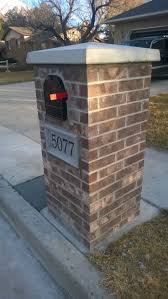 Faux Stone Post Sleeves by Best 25 Brick Mailbox Ideas On Pinterest Brick Yards Near Me