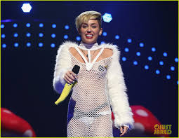 sexy nude miley cyrus miley cyrus sings u0027wrecking ball u0027 in nearly nude outfit video