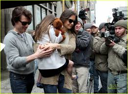 Tom Cruise Mansion by Tom Cruise U0026 Katie Holmes Day Out With Suri Photo 2535273