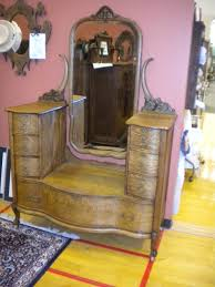 Karges Quarter Sawn Oak Harlow Dresser Made In  By Karges - Evansville furniture