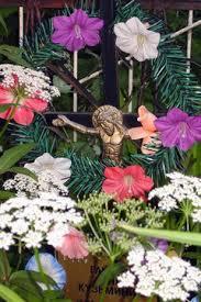 cemetery flower arrangements supplies to make cemetery flowers synonym