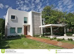 modern villa stock images image 4480594
