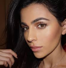 Light Brown Contact Lenses Make Your Eyes Pop Miss Maven By Teni Panosian