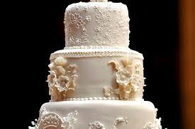 gateau mariage prix une part du gâteau de mariage de william et kate aux enchères