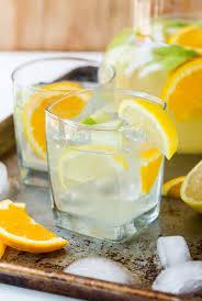 sangria lemonade garnish with lemon