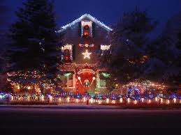Christmas Yard Decoration Themes by Glistening Gate This Gate Is So Intricately Strung That It Looks