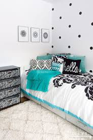 Black And White Bed Best 25 Teal Bedrooms Ideas On Pinterest Teal Wall Mirrors