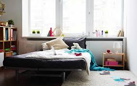 chambre d une ado comment passer d une chambre d enfant à une chambre d ado c mon mag