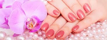golden glamour nails