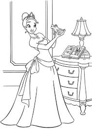Princess Tiana Bring Frog Her Room In Princess And The Frog Princess And The Frog Colouring Pages