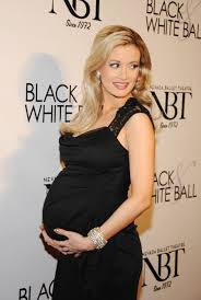 hollywood stars holly madison pregnant new pictures 2013