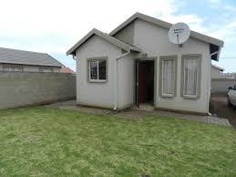 2 bedroom house to rent in klarinet witbank